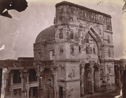 Main façade of the Lal Darwaza Mosque, Jaunpur.